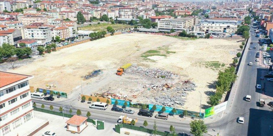 Futbol yıldızlarının top koşturduğu tarihi stadyum millet bahçesi oluyor
