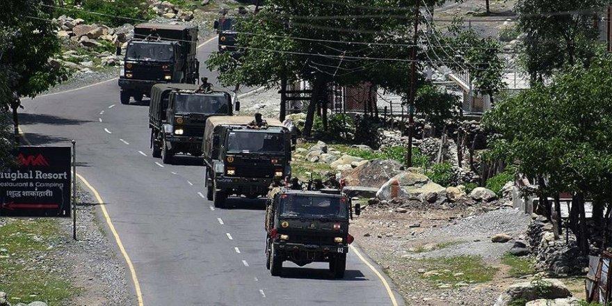 Hindistan'ın Çin ile çatışmanın yaşandığı Ladakh'taki hava üssünde hareketlilik artt
