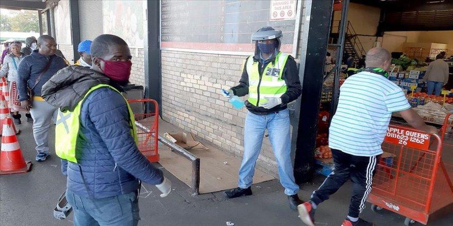 Güney Afrika Cumhuriyeti'nde 1 günde 10 bin 853 kişide Kovid-19 tespit edildi