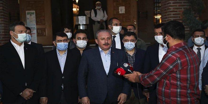 TBMM Başkanı Şentop Hacı Bayram Camisi'nde sabah namazı kıldı