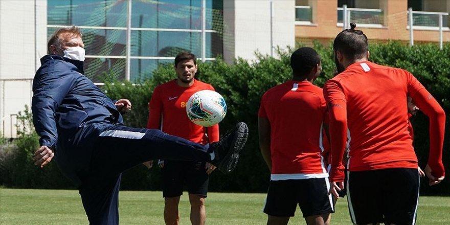Kayserispor'da teknik heyet ve futbolcularda Kovid-19'a rastlanmadı