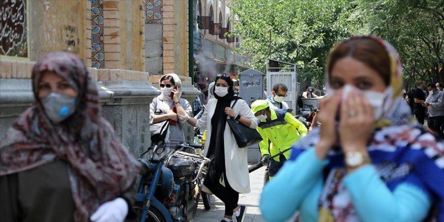 İran'da Kovid-19'dan bir günde 221 kişi hayatını kaybetti