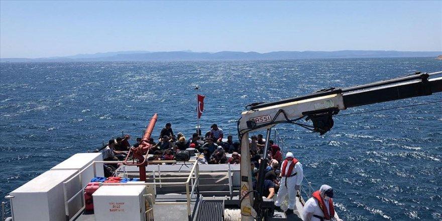 Ayvalık açıklarında Türk kara sularına itilen 57 sığınmacı kurtarıldı