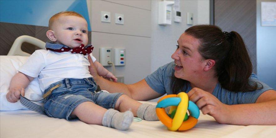 Kalp hastası Bosnalı Vinko bebek Türkiye'de şifa buldu