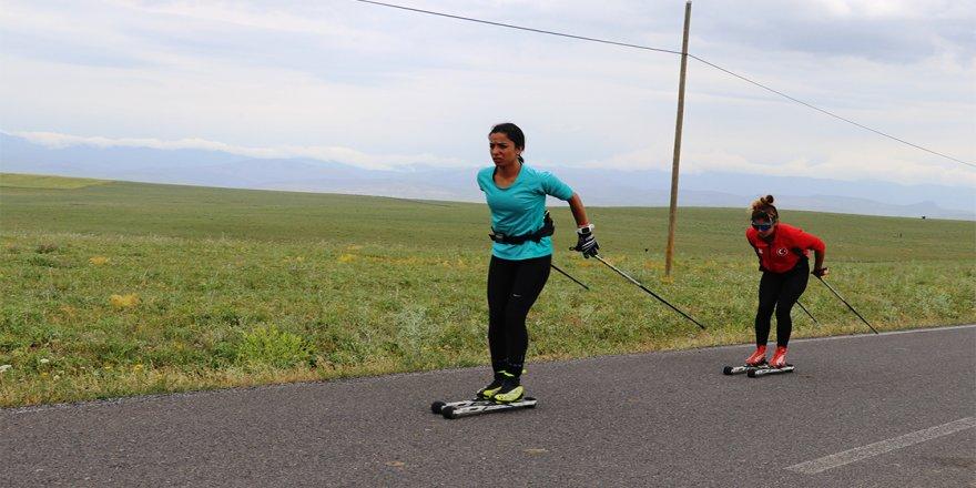 Milli kayaklı koşucular, olimpiyat kotası için asfaltta ter döküyor