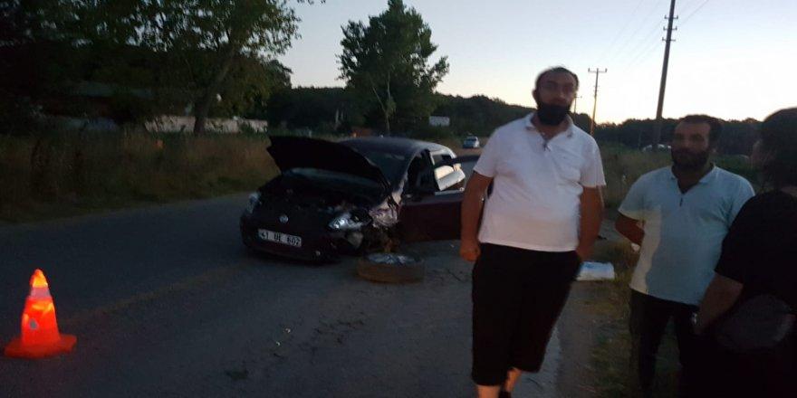 Gebze'de aynı istikametten gelen üç araç çarpıştı