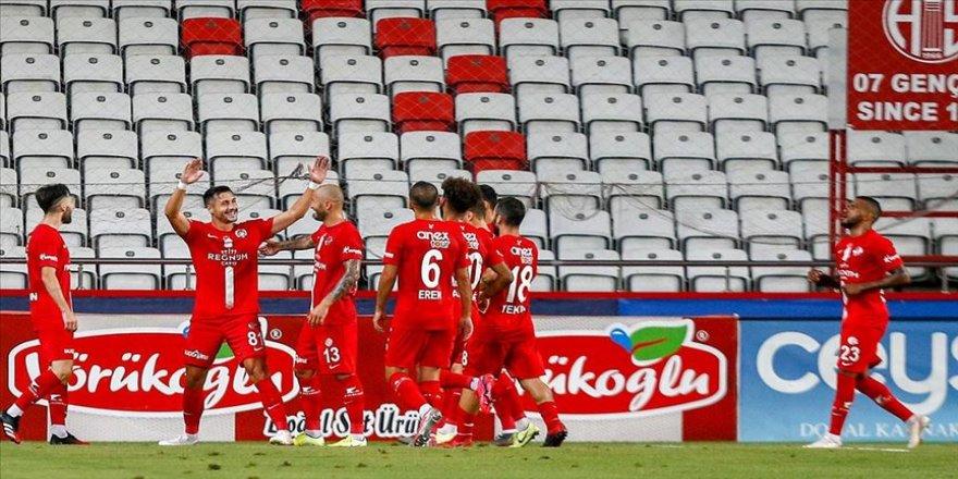 Antalyaspor sahasında galip