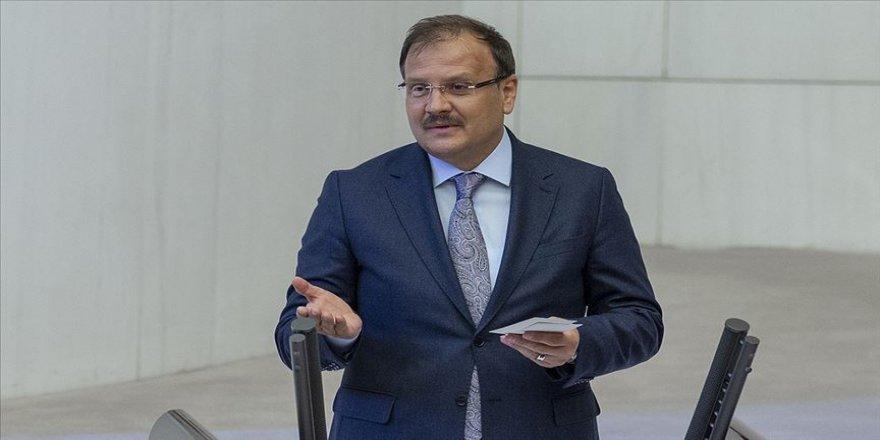 AK Parti'li Çavuşoğlu'ndan 15 Temmuz sadece darbe değil, işgal girişimiydi yorumu