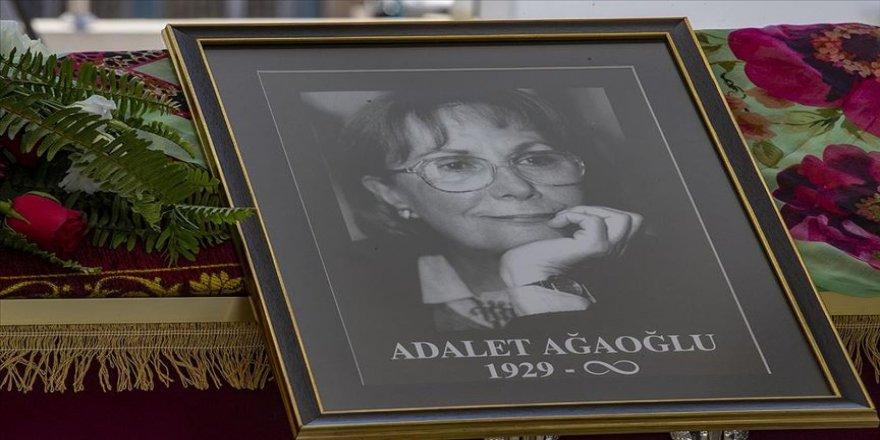 Yazar Adalet Ağaoğlu son yolculuğuna uğurlandı