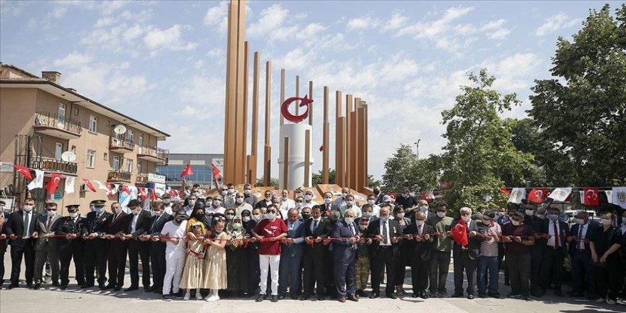 15 Temmuz şehitleri için yapılan 'Demokrasi Şehitleri Anıtı' açıldı