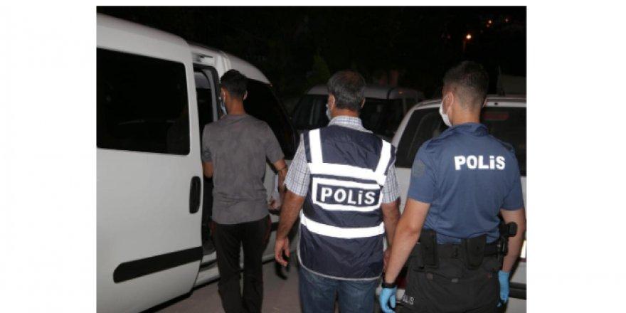 Kocaeli'de Ağır Hapis Cezası ile aranan şahıslar yakalandı