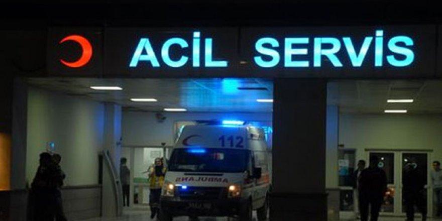 Kocaeli'de otomobil  bariyerlere çarptı: 1  yaralı