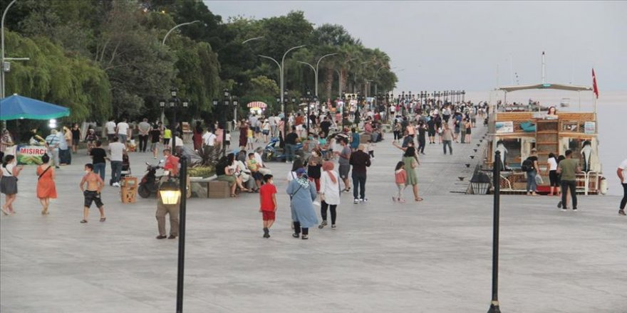'Mutlu kent' Sinop bayramda doldu taştı