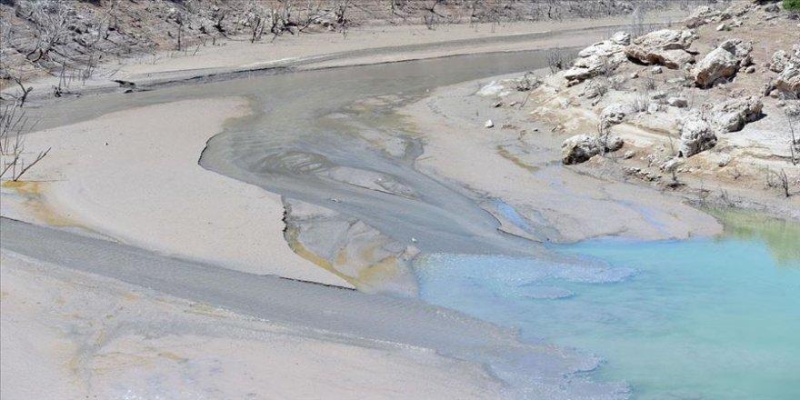 Gülistan Doku'nun bulunması için Uzunçayır Baraj Gölü'nün kısmen boşaltılması sürüyor