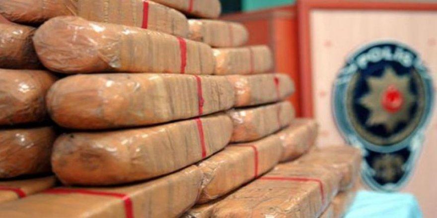 Kocaeli genelinde yapılan çalışmalarda kilolarca uyuşturucu ele geçirildi
