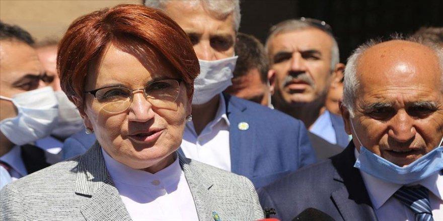 İYİ Parti Genel Başkanı Akşener: Siyasi magazin konularını siyasi nezaketle bağdaştırmıyorum