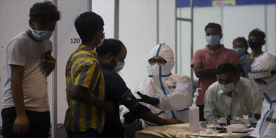 Dünya genelinde Kovid-19 tespit edilen kişi sayısı 18 milyon 981 bini geçti