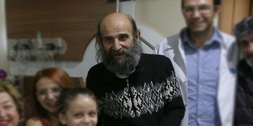Tiyatrocu Uğurtan Sayıner hastaneye kaldırıldı