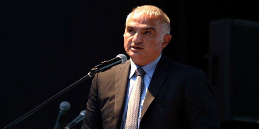 Kültür ve Turizm Bakanı Ersoy: Turizm açısından önemli olan ülkeler seyahat sınırlamalarını kaldırmaya başladı