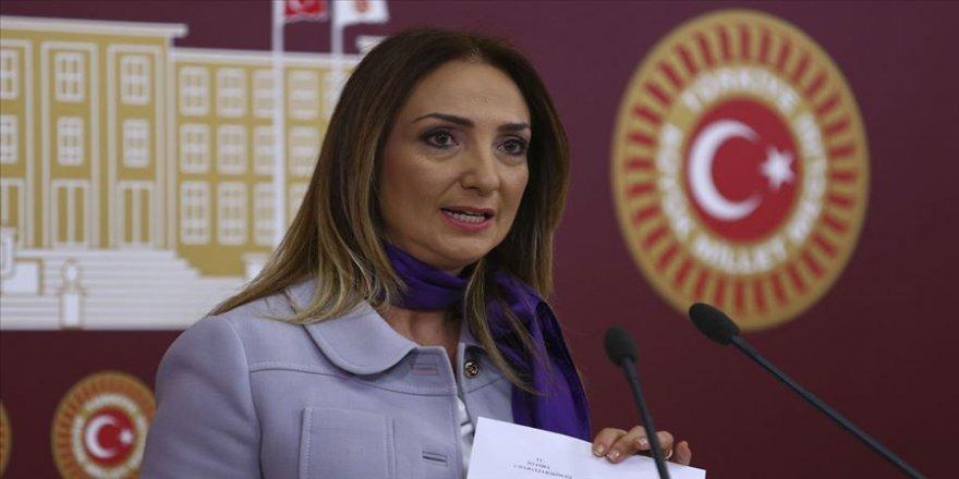 CHP'li Nazlıaka kadın kolları genel başkanlığına aday olduğunu açıkladı
