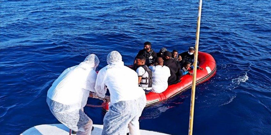 Muğla'da Türk kara sularına itilen 9 sığınmacı kurtarıldı