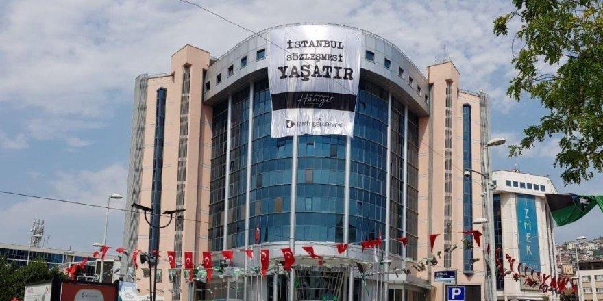 Yeniden Refah Çayırova'dan Belediyenin Astığı Pankarta Sert Tepki
