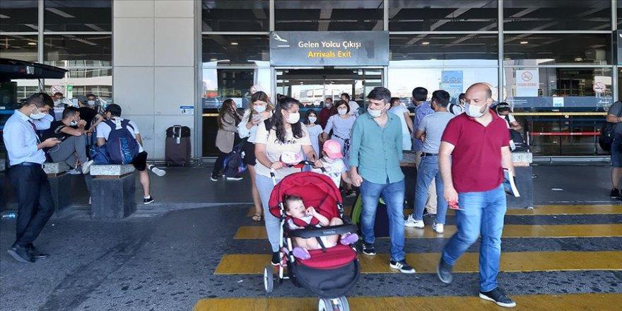 Bakan Karaismailoğlu: Kurban Bayramı'nda hava yoluyla 1 milyon 202 bin 174 yolcu taşındı
