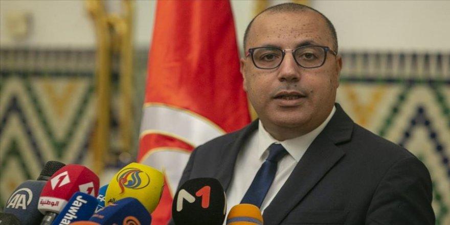Tunus'ta hükümeti kurmakla görevlendirilen Meşişi: Siyasilerden oluşan bir hükümetin kurulması imkansız