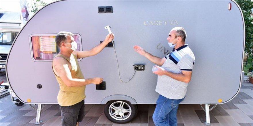 İzole tatile yöneliş çekme karavan satışlarını artırdı