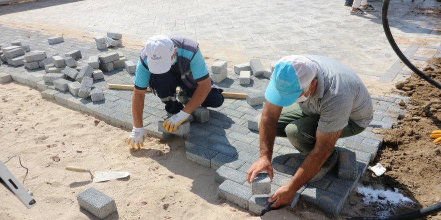 Pişmaniyeciler Meydanı'nda eski yapıların temelleri kaldırıldı