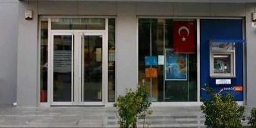 Darıca'da,kapkaççılar bankadan çıkan kadını gasp etti