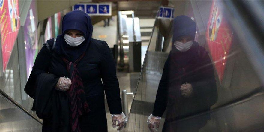 İran'da Kovid-19 nedeniyle son 24 saatte 169 kişi hayatını kaybetti