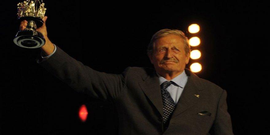 Türk tiyatrosunun ustası: Müşfik Kenter