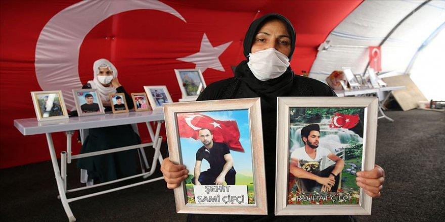 Diyarbakır annesinin 'Oğlum Roşat, yeter artık Allah rızası için dön gel' feryadı