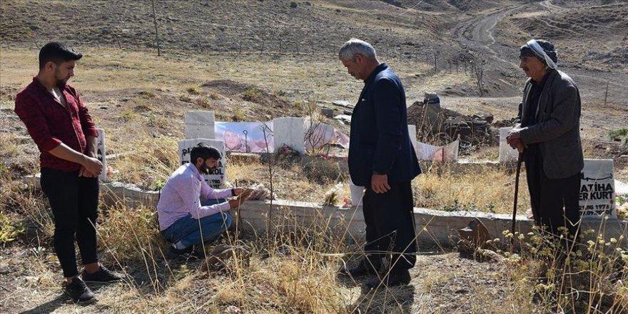 Hakkari'de 10 yıl önce PKK'nın katlettiği siviller anıldı