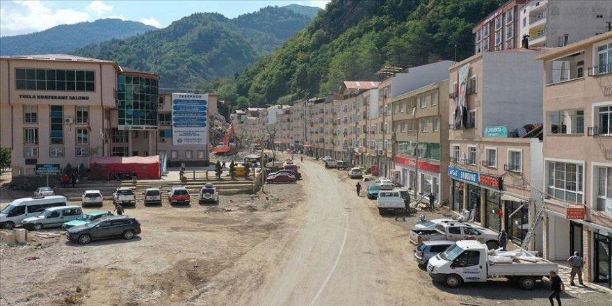 Sel felaketinde büyük zarar gören Dereli'de ticari hayat yeniden canlanıyor