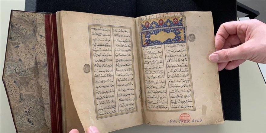 Türk hat ekolünün kurucusu Şeyh Hamdullah'ın yazdığı 'Leyla vü Mecnun' Berlin'de ortaya çıktı