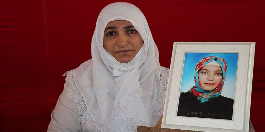 Diyarbakır annesi Fatma Akkuş: HDP çocuklarımızın üstünden elini çeksin artık yeter