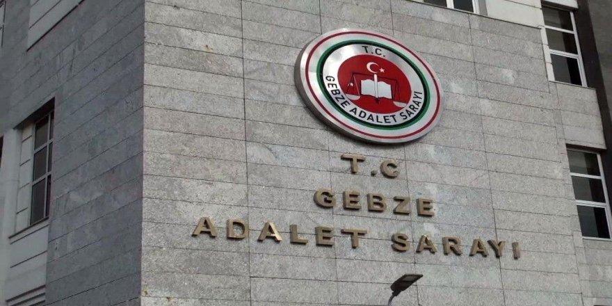 Gebze'de biriş yerinden hırsızlık yaparken suçüstü yakalandılar