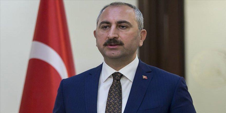 Adalet Bakanı Gül, canlı yayında soruları yanıtladı