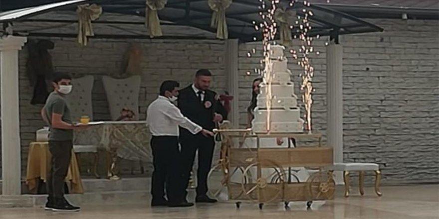 Karantinada olması gerekirken düğün salonunda çalışan sanığa hapis istemi