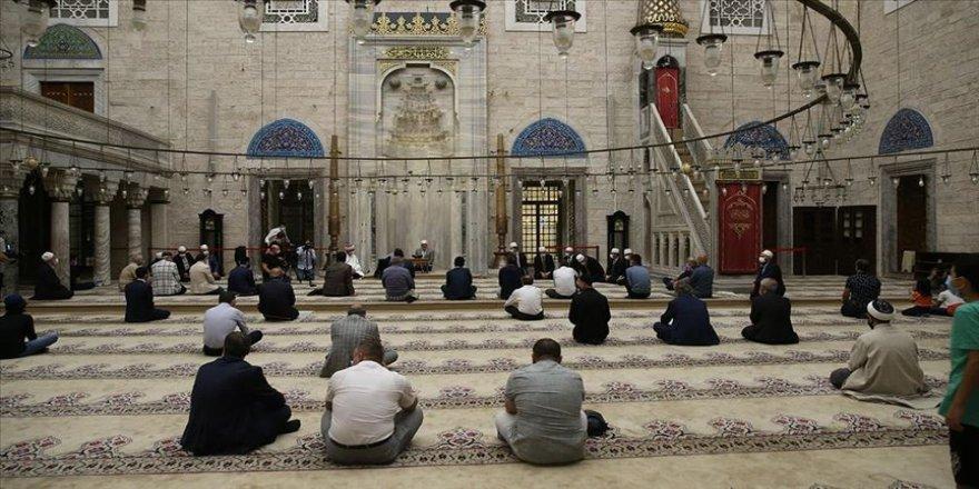 Yavuz Sultan Selim, vefatının 500. yılında dualarla anıldı