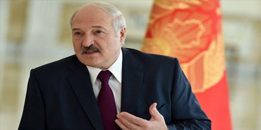 Belarus Cumhurbaşkanı Aleksandr Lukaşenko yemin ederek görevine başladı