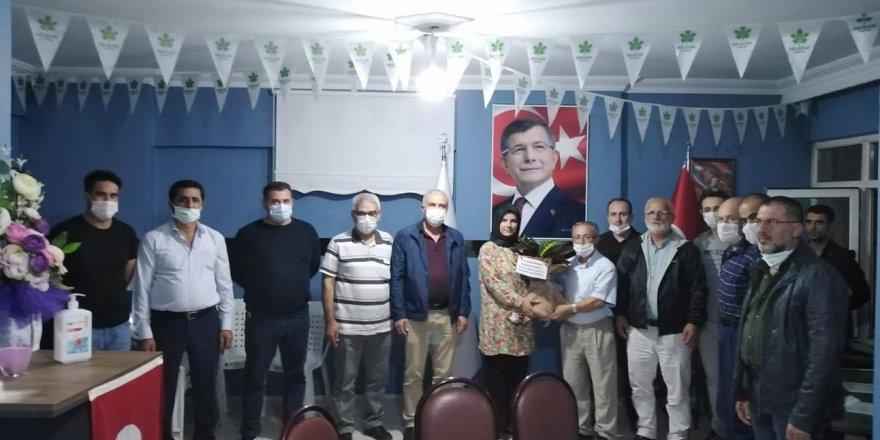 Gelecek Gölcük'e Konyalılar ve Karamanlılar Derneği'nden ziyaret