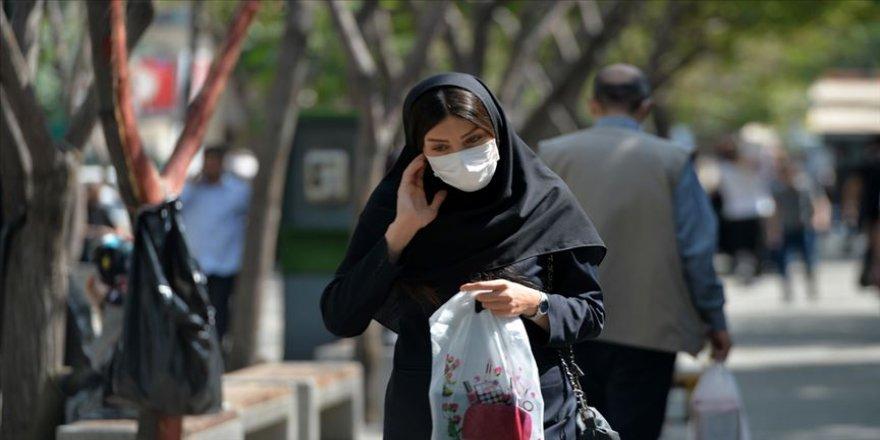 İran'da Kovid-19'dan hayatını kaybedenlerin sayısı 25 bini geçti