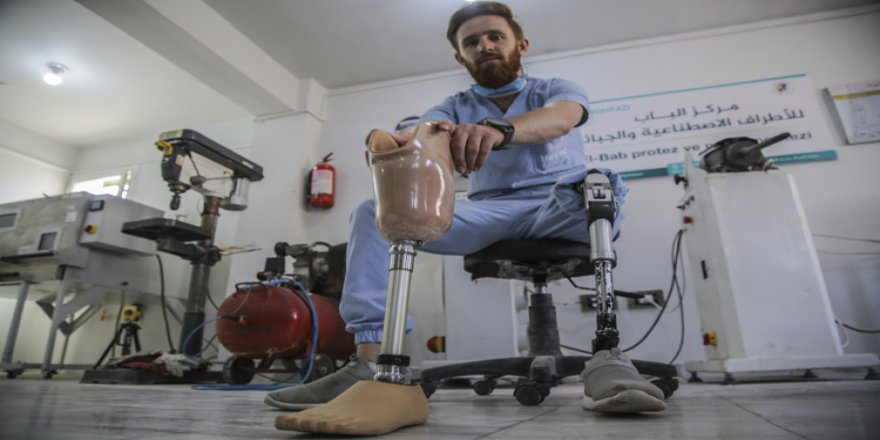İdlibli ampute gencin ürettiği protezler uzuvlarını yitirenlere derman oluyor