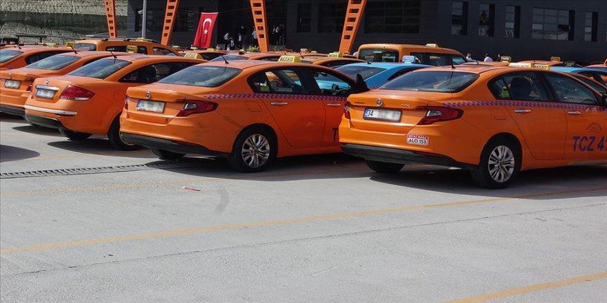 İBB'nin 6 bin yeni taksi teklifi alt komisyona havale edildi