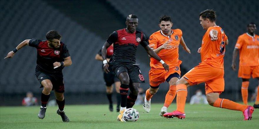 Medipol Başakşehir'i 2 golle geçen Fatih Karagümrük maç fazlasıyla lider