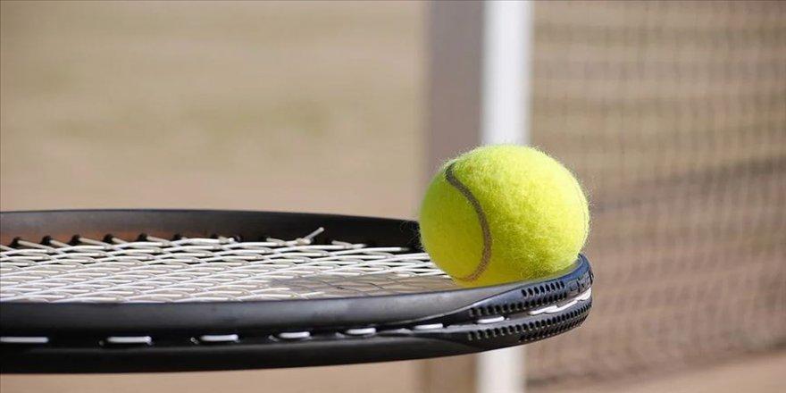 Genç tenisçilerden Arnavutluk'ta 2 şampiyonluk, 2 ikincilik