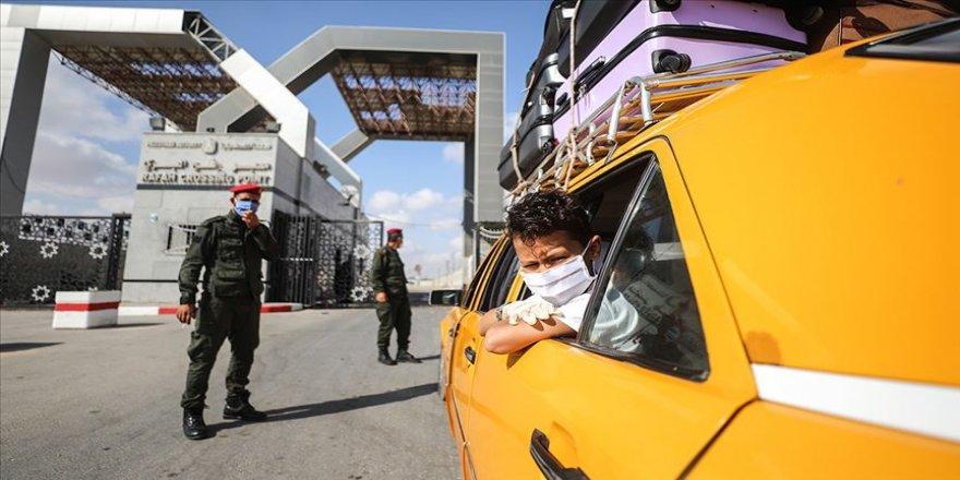 Gazze ile Mısır arasındaki Refah Sınır Kapısı çift yönlü açıldı